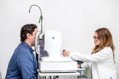 Očesna kirurgija Logar